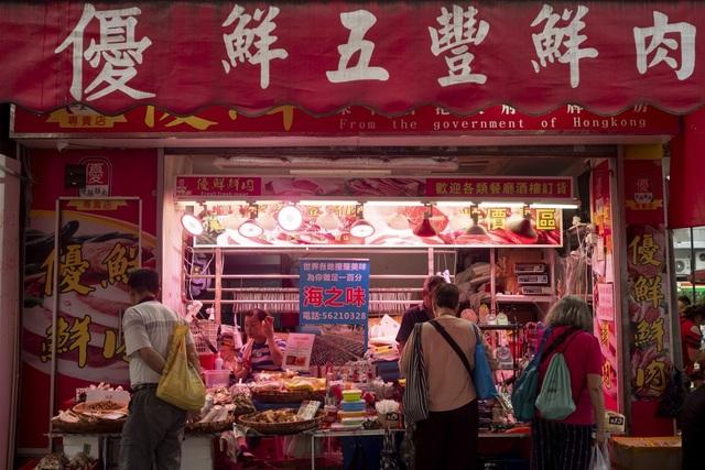 Khó tin: Người dân Trung Quốc ăn cắp cả thịt lợn khi đi chợ - 2