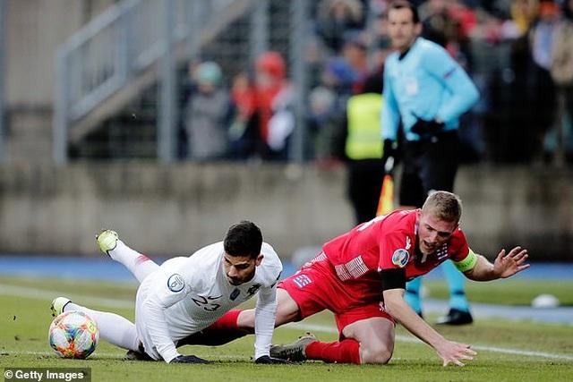C.Ronaldo ghi bàn thứ 99, Bồ Đào Nha giành vé dự Euro 2020 - 4