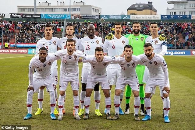 C.Ronaldo ghi bàn thứ 99, Bồ Đào Nha giành vé dự Euro 2020 - 1