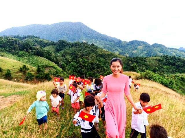 Cô giáo trẻ dành hết tuổi thanh xuân cho học trò vùng cao