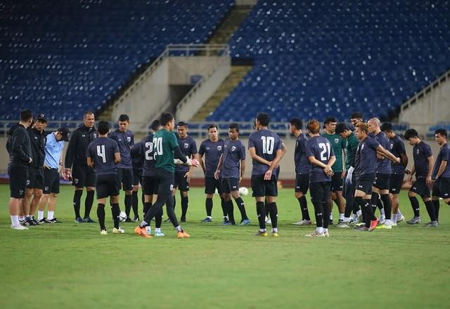 Đội tuyển Thái Lan đội mưa lạnh, lo lắng trước trận gặp Việt Nam - 6