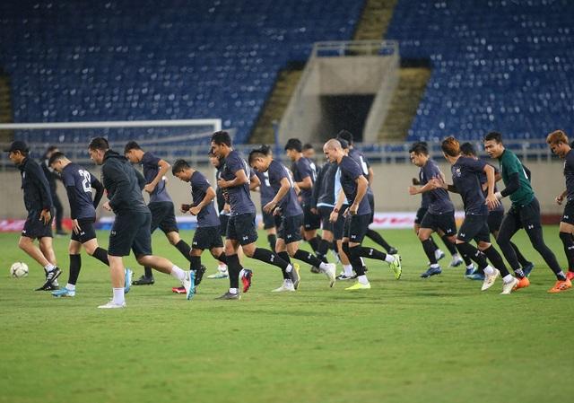Đội tuyển Thái Lan đội mưa lạnh, lo lắng trước trận gặp Việt Nam - 4