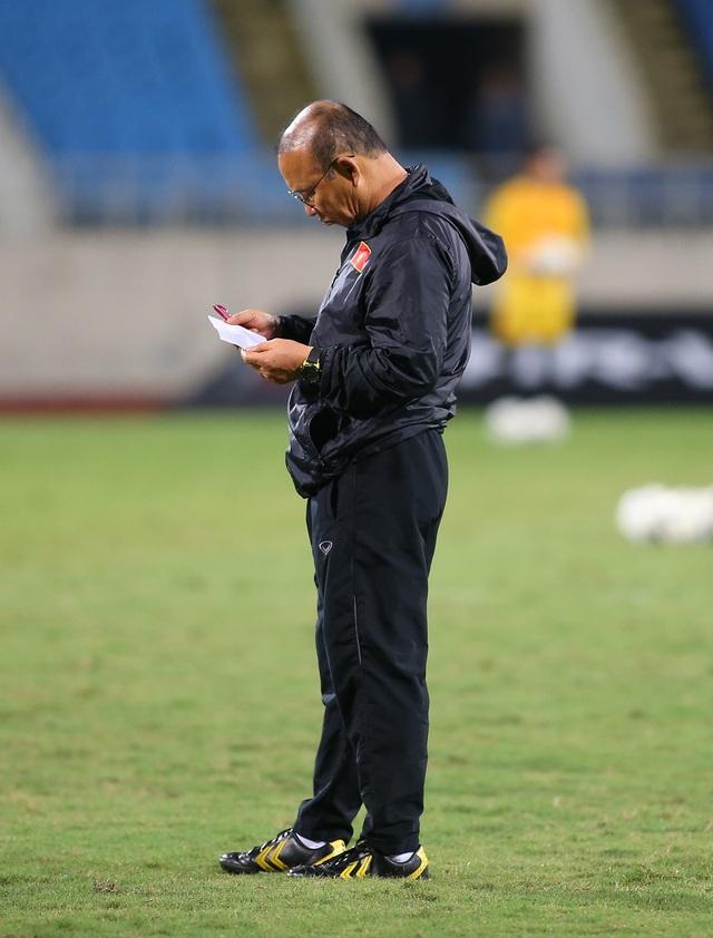 Ông trời ủng hộ, đội tuyển Việt Nam luyện công chờ đấu Thái Lan - 1