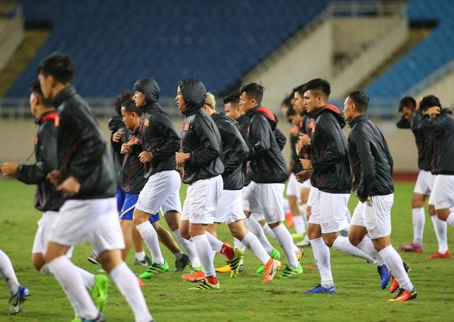 Ông trời ủng hộ, đội tuyển Việt Nam luyện công chờ đấu Thái Lan - 4
