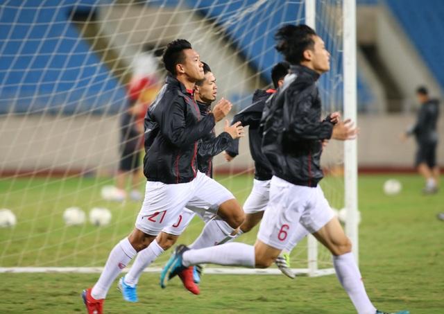 Ông trời ủng hộ, đội tuyển Việt Nam luyện công chờ đấu Thái Lan - 9