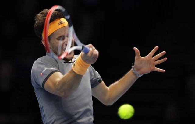 ATP Finals: Đánh bại Thiem, Tsitsipas gây sốc với cúp vô địch - 2