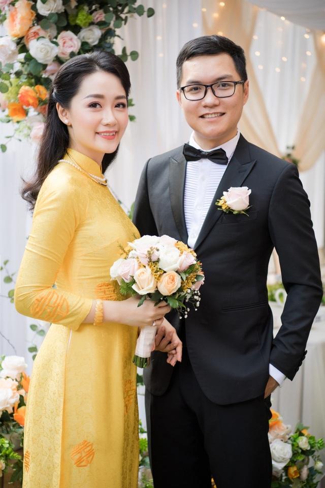 """Trọn vẹn ảnh cưới đẹp như mơ của """"BTV Thời sự trẻ nhất VTV"""" - 17"""