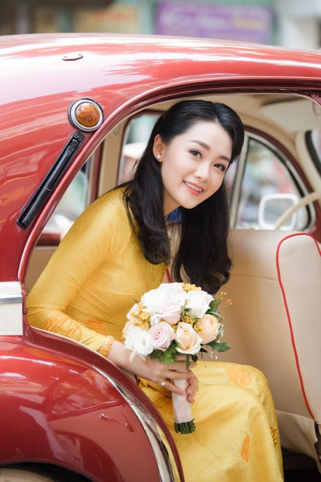 """Trọn vẹn ảnh cưới đẹp như mơ của """"BTV Thời sự trẻ nhất VTV"""" - 13"""