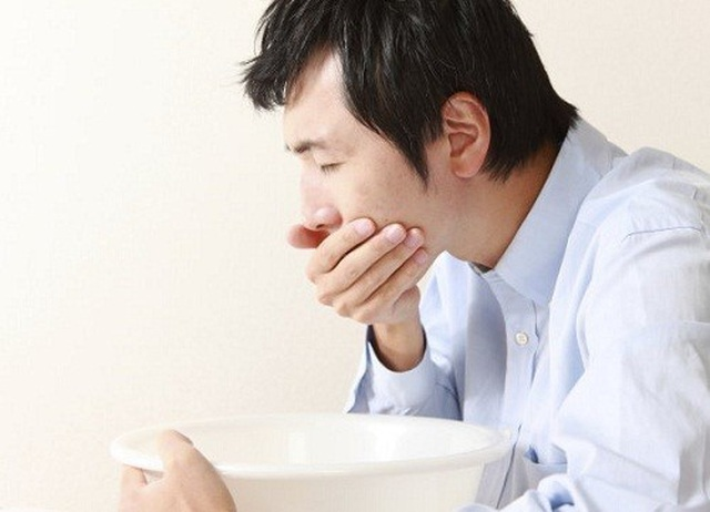 Người bị huyết áp cao, chóng mặt, buồn nôn có sử dụng Định Áp Vương được không? - 1
