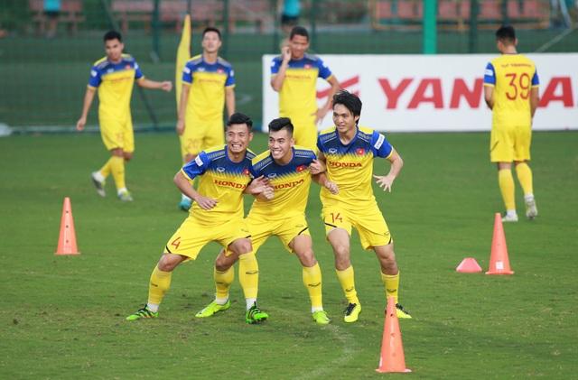 HLV Park Hang Seo loại hai cầu thủ trước thềm đấu tuyển Thái Lan - 1