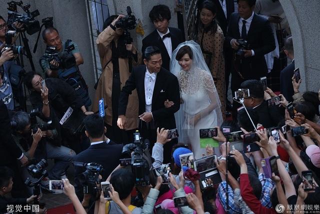 Trong ngày cưới của Lâm Chí Linh, tình cũ Ngôn Thừa Húc liên tục bị gọi tên - 6