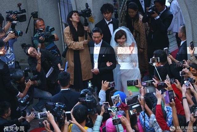 Trong ngày cưới của Lâm Chí Linh, tình cũ Ngôn Thừa Húc liên tục bị gọi tên - 3