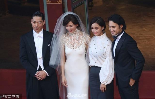 Trong ngày cưới của Lâm Chí Linh, tình cũ Ngôn Thừa Húc liên tục bị gọi tên - 14