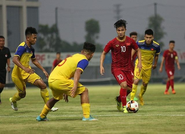 Martin Lo bất ngờ bị loại khỏi danh sách U22 Việt Nam dự SEA Games 30 - 1