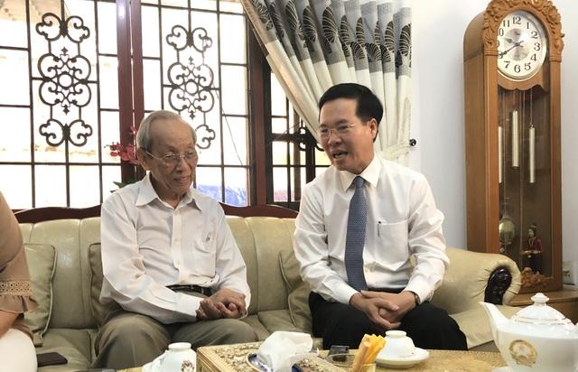 Ông Võ Văn Thưởng thăm hỏi nguyên Bộ trưởng Bộ GD-ĐT nhân ngày 20/11 - 2