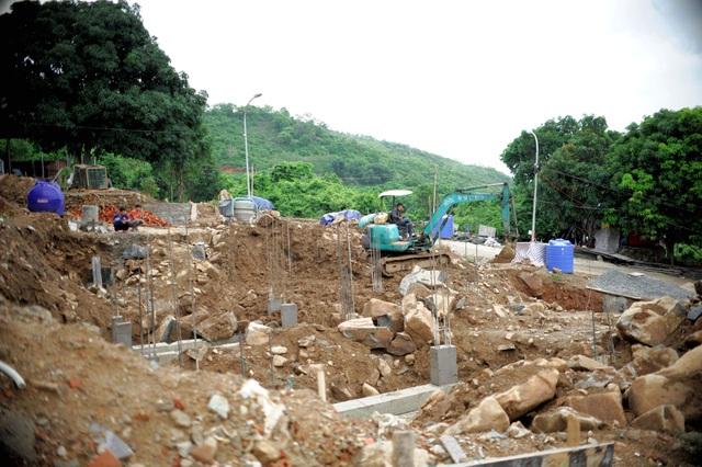 Cận cảnh dự án đua nhau rào chắn, bao vây xẻ thịt núi Cô Tiên ở Nha Trang - 4