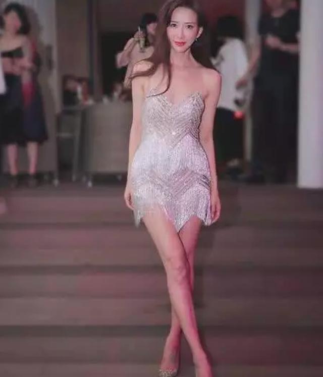 Lâm Chí Linh thay 5 chiếc váy trong hôn lễ được chờ đợi - 14