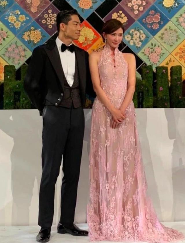 Lâm Chí Linh thay 5 chiếc váy trong hôn lễ được chờ đợi - 5