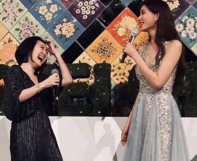Lâm Chí Linh thay 5 chiếc váy trong hôn lễ được chờ đợi - 9