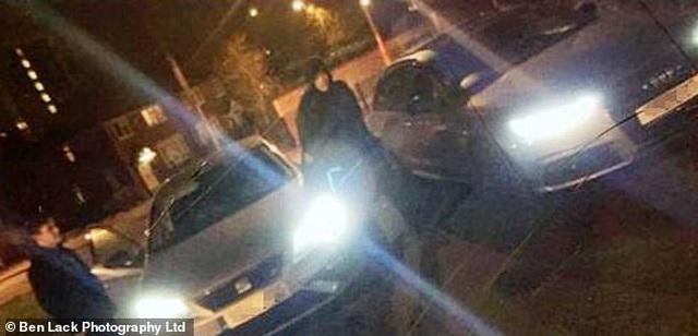 """Băng trộm siêu xe bị tóm gọn vì đăng ảnh khoe """"chiến lợi phẩm"""" lên mạng - 1"""