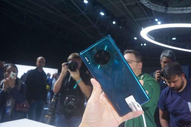 Huawei bất ngờ bán Mate 30 Pro tại Việt Nam, cài Harmony OS - 1