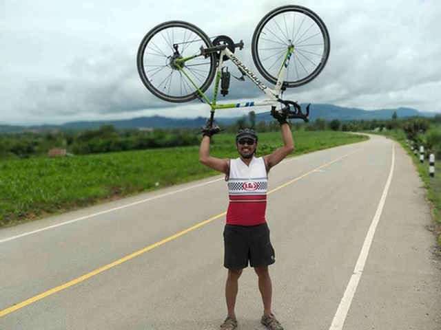 CĐV Thái Lan đạp xe 1400 km tới Việt Nam để tiếp lửa cho đội nhà - Ảnh minh hoạ 2