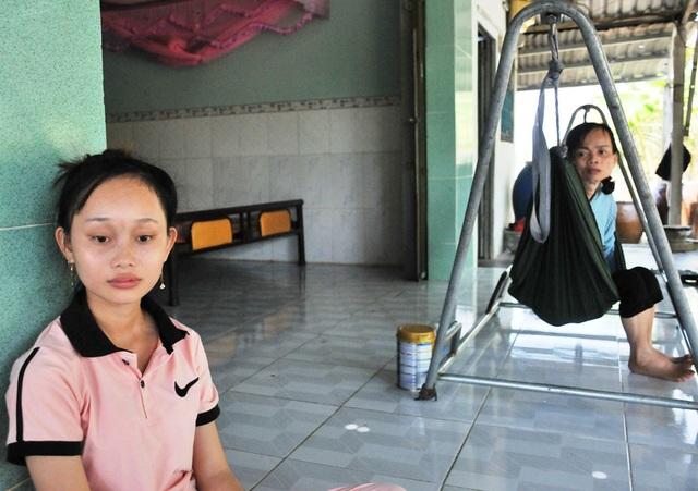 Lên nhà con gái chơi, người mẹ suýt chết vì uống nhầm chai hoá chất - 4