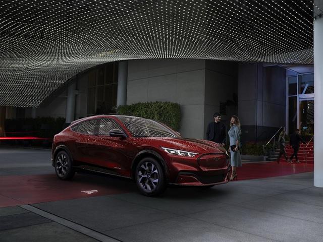 Ford Mustang Mach-E chính thức gia nhập phân khúc SUV chạy điện - 11