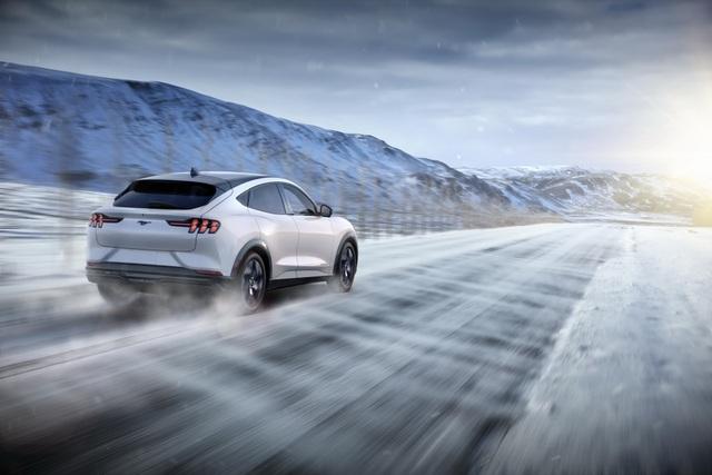 Ford Mustang Mach-E chính thức gia nhập phân khúc SUV chạy điện - 19