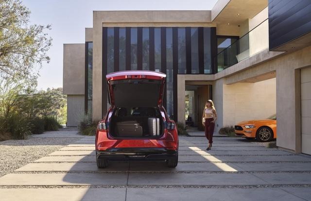 Ford Mustang Mach-E chính thức gia nhập phân khúc SUV chạy điện - 6