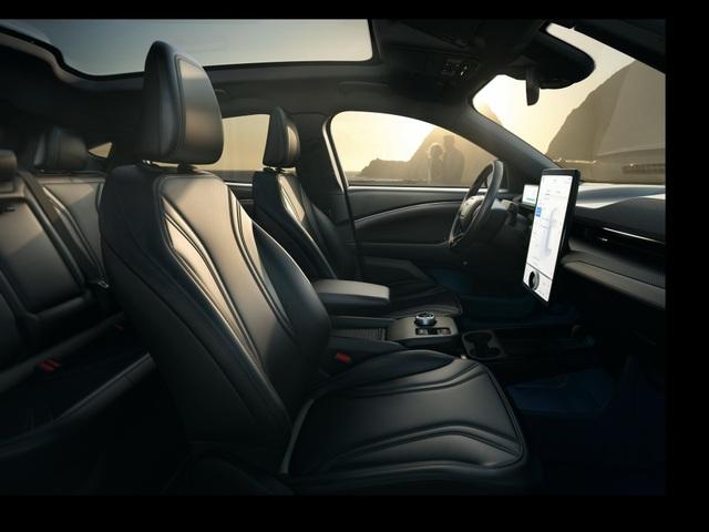 Ford Mustang Mach-E chính thức gia nhập phân khúc SUV chạy điện - 24