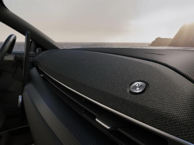 Ford Mustang Mach-E chính thức gia nhập phân khúc SUV chạy điện - 4