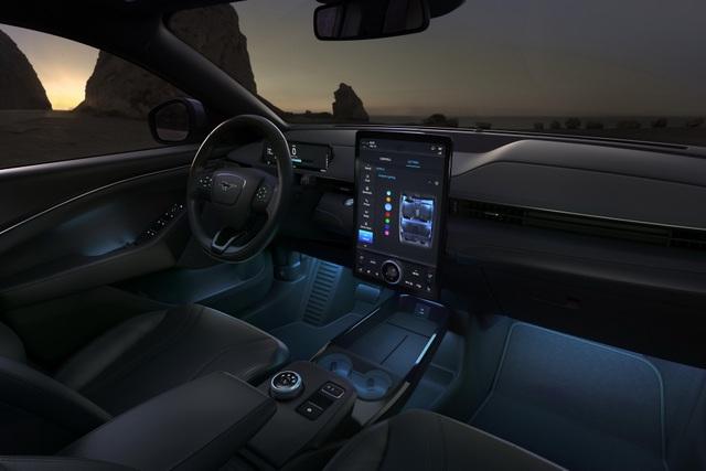 Ford Mustang Mach-E chính thức gia nhập phân khúc SUV chạy điện - 25