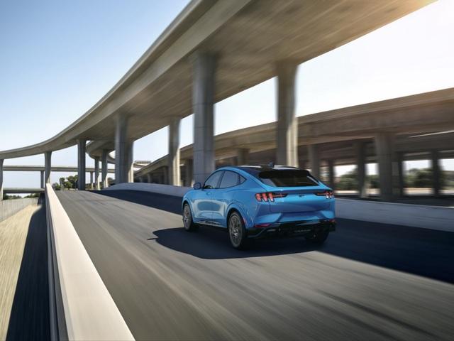 Ford Mustang Mach-E chính thức gia nhập phân khúc SUV chạy điện - 2