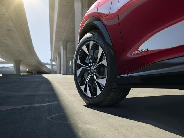 Ford Mustang Mach-E chính thức gia nhập phân khúc SUV chạy điện - 14