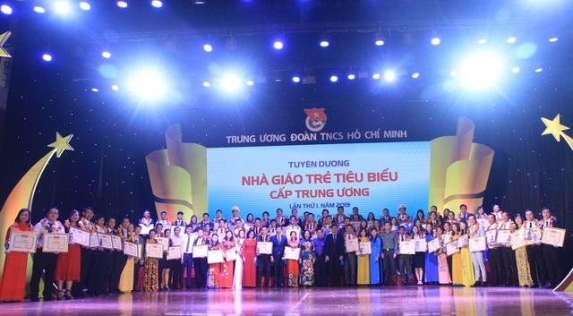 75 nhà giáo trẻ tiêu biểu nhận giải thưởng của Trung ương Đoàn - 5