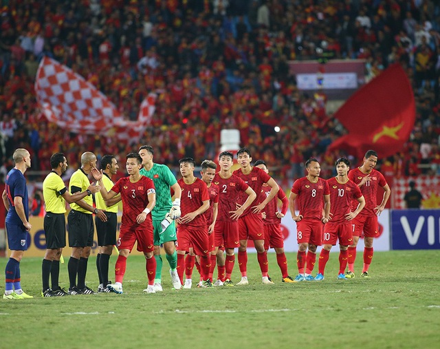 HLV Park Hang Seo nổi nóng và phản ứng với ban huấn luyện Thái Lan - 8