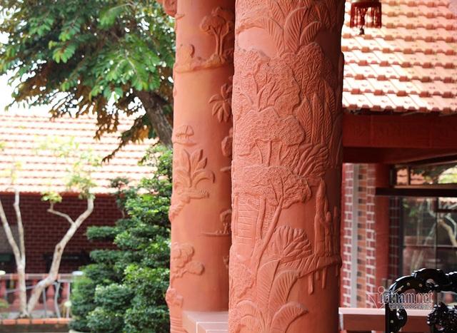Biệt phủ bằng gốm đỏ có 1 không 2 ở Việt Nam của đại gia miền Tây - 14