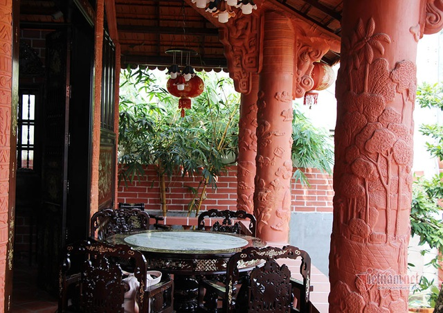 Biệt phủ bằng gốm đỏ có 1 không 2 ở Việt Nam của đại gia miền Tây - 15
