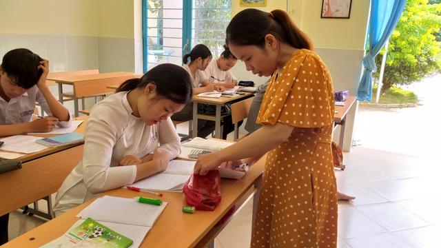 Lớp học cộng đồng miễn phí cho trẻ em nghèo - 4