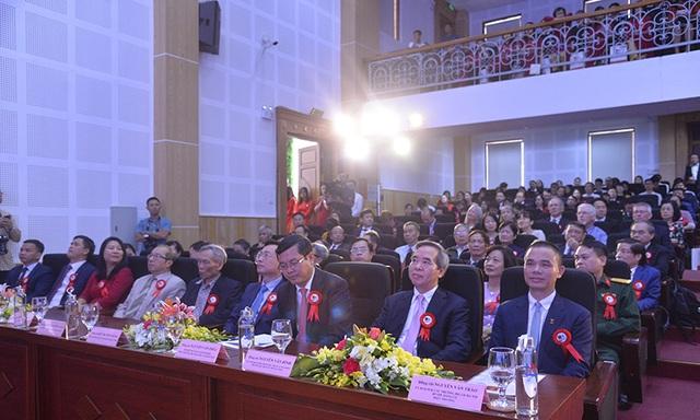 Trường Đại học Hà Nội kỷ niệm 60 năm thành lập - 4