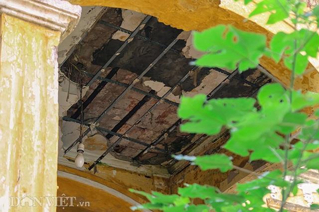 Hình ảnh biệt thự Pháp cổ trên đất vàng Hà Nội ngập trong rác - 5