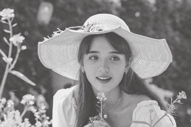 Bông hồng lai Việt Nam - Hà Lan gây thương nhớ với nhan sắc tuổi trăng rằm - 4