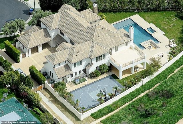 Ngắm biệt thự siêu sang của vợ cũ Tom Cruise - 2