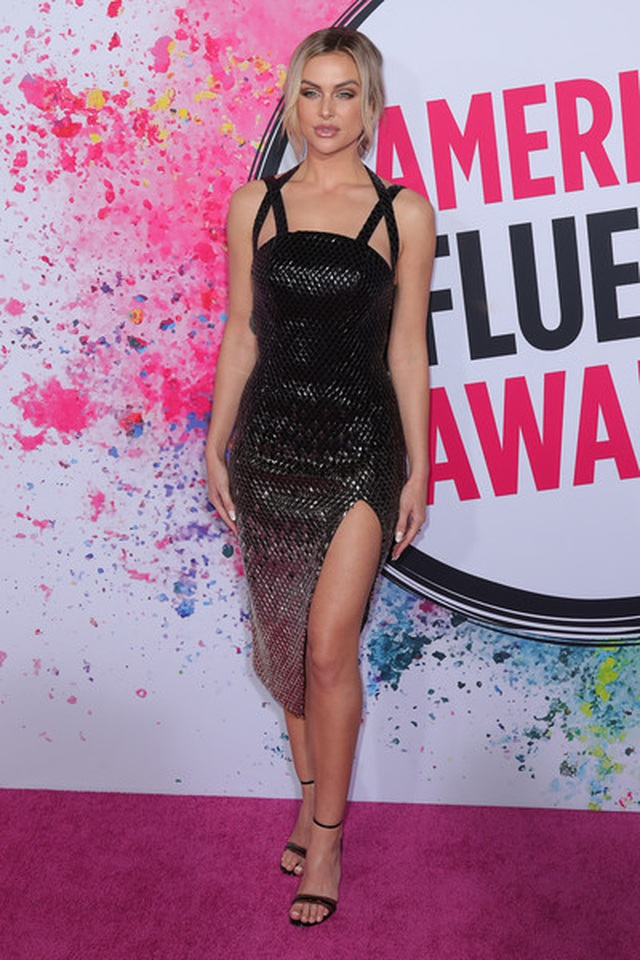 lala-kent-2019-american-influencer-awards-cr-f-2-b-xr-l-9-q-4-l-1574171586940.jpg