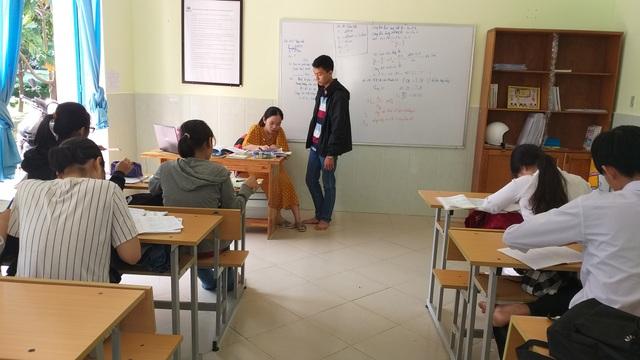Lớp học cộng đồng miễn phí cho trẻ em nghèo - 1
