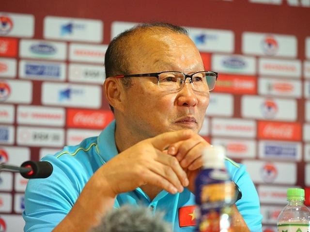 HLV Park Hang Seo: Tôi phản ứng vì người Thái chơi đòn tâm lý với tôi - 2