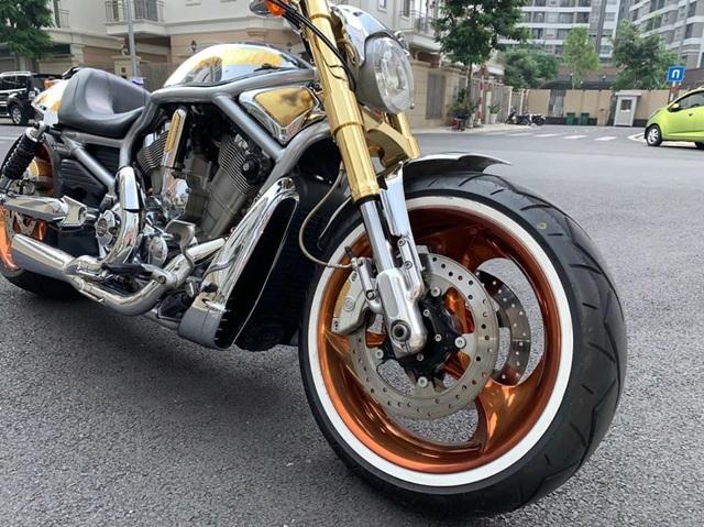 Sau 6 năm, mô tô Harley-Davidson mạ vàng 24k rao giá 1 tỷ ở Hà Nội - 5