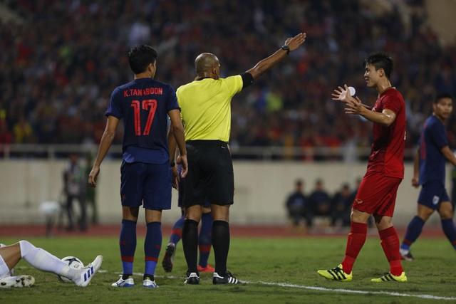 Trọng tài người Oman đã sai khi từ chối bàn thắng của Bùi Tiến Dũng - 1