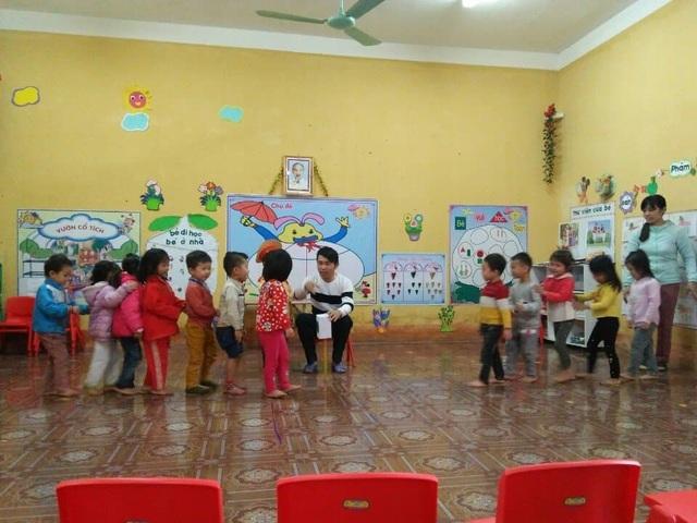 Cảm phục những người thầy dạy trẻ mầm non nơi miền núi - 2